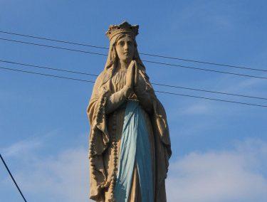 Pískovcová socha Panny Marie